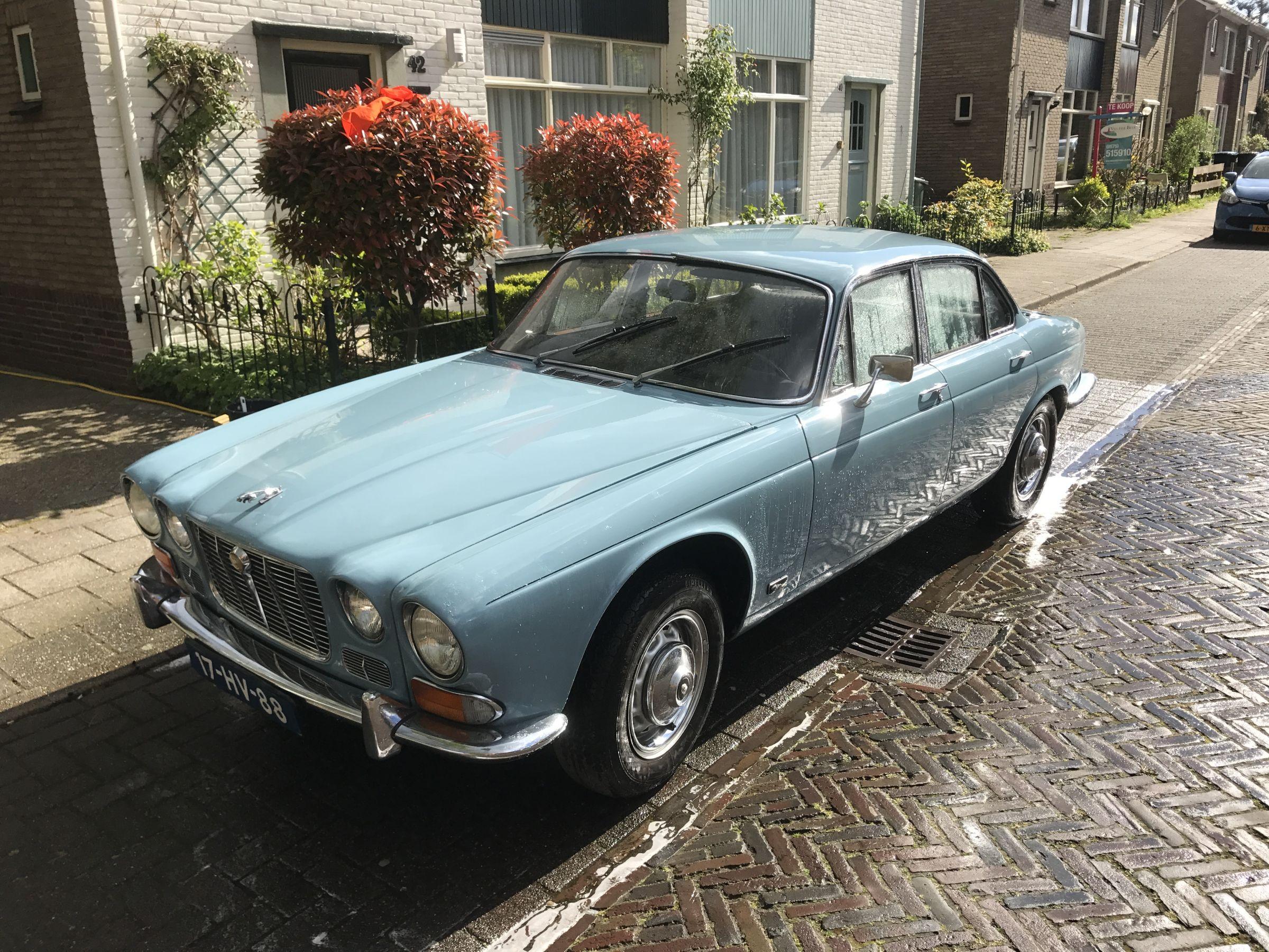Baby Blue XJ Series 1 uit 1972