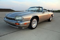 Jaguar_XJS_6.0_V12.jpg