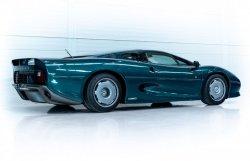 jaguar-xj220-occasion-007.thumb.jpg.2a4ff6586d6dae7cd2b292a7a8292fbb.jpg
