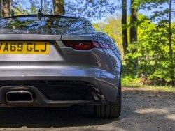 Jaguar-F-Type-P300-2021-23.thumb.jpg.6e258477cfc3c0869a1ab2b0860d2e30.jpg