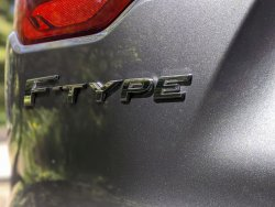 Jaguar-F-Type-P300-2021-26.thumb.jpg.8e3032097ebf8881df353baa76989799.jpg