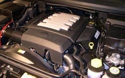 2006_Land_Rover_Range_Rover_Sport_engine.jpg