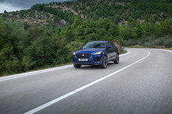 Jag_E-PACE_21MY_Exterior_281020_067.jpg